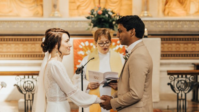 Photo of Nurse Jann Tipping and Doctor Annalan Navaratnam who cancelled their wedding due to Coronavirus pandemic tie the knot in hospital chapel (photos)