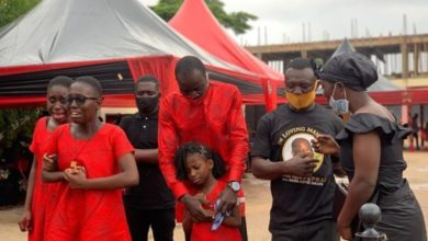 Photo of Daddy Why ? Nana Adjei Sikapa's Wife And Children Weeps At His One Week Commemoration – Video